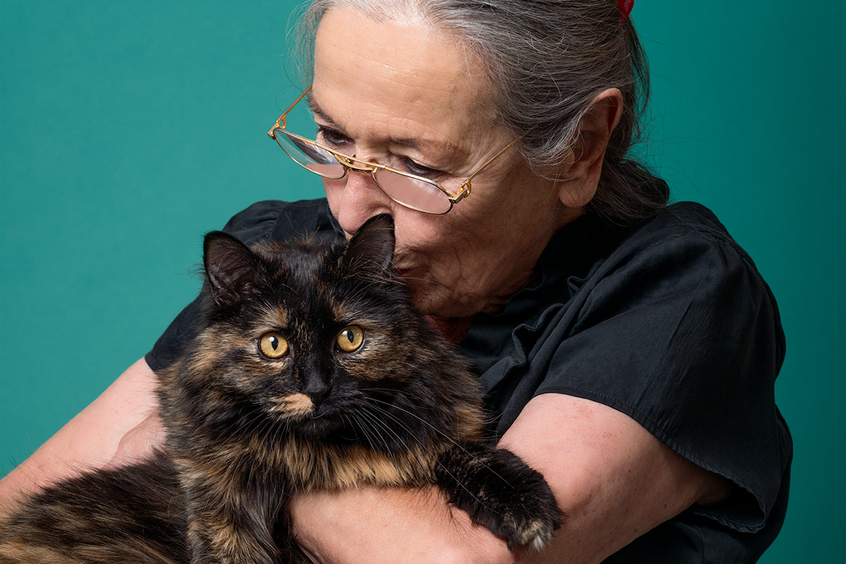 companions Mimi a tortie cat with her mom photographed by Cate Goedert Santa Fe pet photographer